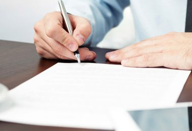 Feature-things-freelancers-should-understand-while-signing-work-contracts