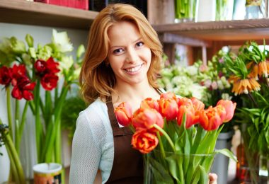 How to Become a Freelance Florist