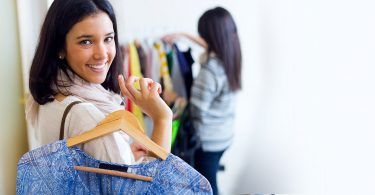 How to Become a Freelance Wardrobe Stylist