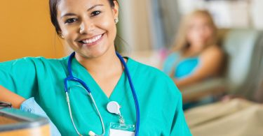 How to Become a Freelance Nurse