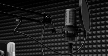 How to become a freelance voice over artist