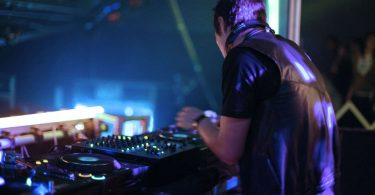 How to Become a Freelance DJ