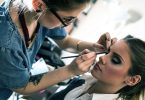 How to Become a Freelance Beautician