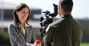 Steps to Become a Freelance News Reporter