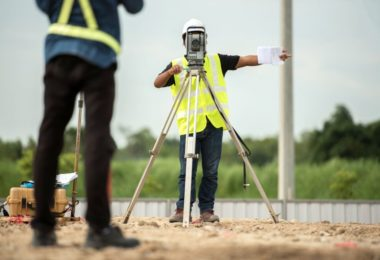 how to become a surveyor